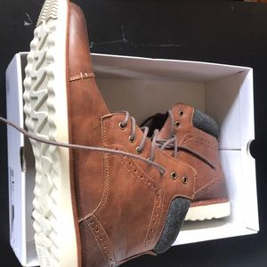 Brown dress boots for men never worn
